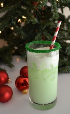 Grinch Spritzer Recipe ngredients BY THE GLASS 1 part lime sherbert 1 part sprite or lemon/lime soda of your choice 1 part vodka green sugar for glass rim 1 lime (green holiday cocktails) Party Drinks, Cocktail Drinks, Fun Drinks, Yummy Drinks, Yummy Food, Drinks Alcohol Recipes, Mixed Drinks, Punch Recipes, Beverages