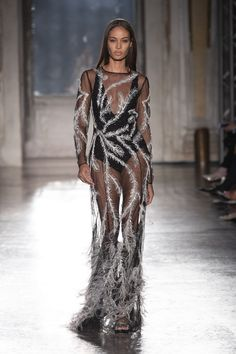 Discover the new Alberta Ferretti's Limited edition ss 19 collection Cruise Collection, Winter Collection, Fashion Brand, Fashion Show, Fashion Design, Alberta Ferretti, Ready To Wear, Party Dress, Spring Summer