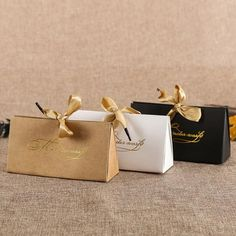 Kraft Paper Box DIY Lipstick Perfume Cosmetics Packaging Wedding Party Candy Birthday Gift Boxes inner size: the box with ribbon * The package will be sent flat. Its easy to unfold and make it into a box. Macaroon Packaging, Gift Box Packaging, Paper Packaging, Cosmetic Packaging, Jewelry Packaging, Candy Packaging, Diy Gift Box, Diy Box, Diy Paper Box