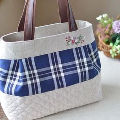 Patchwork Bags, Quilted Bag, Patchwork Quilting, Jean Purses, Purses And Bags, Spring Bags, Bow Bag, Mk Handbags, Burberry Handbags