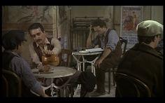 Intellectual peasant (Fernando Valverde) in 'Amanece, que no es poco' (1989, J. L. Cuerda)