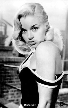 Diana Dors publicity photo for 'Tread Softly Stranger', Tread Softly Stranger is a 1958 British crime drama directed by Gordon Parry and starring Diana Dors, George Baker and Terence Morgan. The film was shot in black-and-white in film noir style, Classic Actresses, English Actresses, British Actresses, Actors & Actresses, Classic Movies, Hollywood Actresses, Diana Dors, Vintage Hollywood, Hollywood Glamour