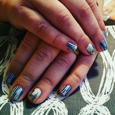 """""""#jamberrynails #onholiday #snowday"""""""