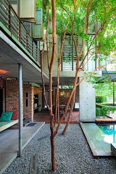 modern-thai-pool-deck