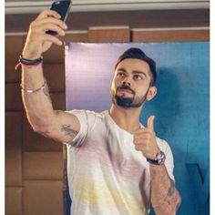 Selfie king Indian Men Fashion, Boy Fashion, Virat Kohli Beard, Virat Kohli Wallpapers, Virat And Anushka, Cricket Wallpapers, Avengers Imagines, Cricket Sport, Indian Man