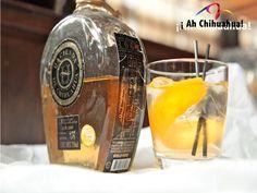 """TURISMO EN CHIHUAHUA. El """"sotol"""", es una bebida alcohólica heredada de los indígenas tarahumaras y es destilada de la planta Dasylirion Wheeleri. Aunque es muy conocida en Chihuahua y Durango, sólo se vende de forma artesanal ya que no se ha comercializado del todo. En su próxima visita al estado más grande de México, no olvide probar esta refrescante bebida. www.turismoenchihuahua.com"""