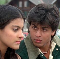 & so very young! with Kajol Vintage Bollywood, Indian Bollywood, Bollywood Stars, Bollywood Actress, Shahrukh Khan And Kajol, Shah Rukh Khan Movies, Indian Actresses, Actors & Actresses, Dumbbell Fly