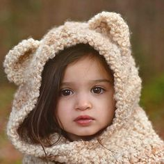 Image may contain: 1 person Cute Small Girl, Cute Little Baby Girl, Little Babies, Cute Girls, Baby Kids, Baby Girl Photos, Cute Baby Pictures, Merry Christmas Frame, Foto Gif