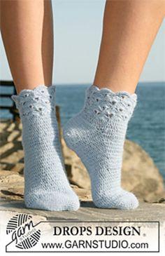 """120-36 Socks with fan pattern on leg in """"Alpaca"""" by DROPS design"""