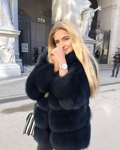 Take your style to another level with these 40 winter outfits Fur Coat Outfit, Fur Coat Fashion, Chinchilla, Black Fur Coat, Fox Fur Vest, Fabulous Furs, Winter Coats Women, Daily Fashion, Winter Outfits