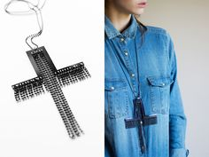 Cross & chains necklace in black