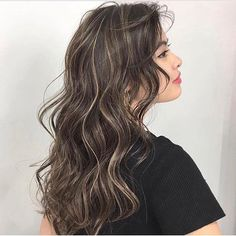 Wavy Mid Length Hair, Long Curly Hair, Curly Hair Styles, Ombre Hair Color, Hair Color Balayage, Hair Highlights, Cabelo Ombre Hair, Korean Hair Color, Permed Hairstyles