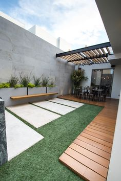Get tips from professional landscape designers on how to design a small patio. See pictures of small patios ideas for your own patio design. Small Patio Design, Urban Garden Design, Backyard Patio Designs, Small Backyard Landscaping, Pergola Patio, Landscaping Ideas, Pergola Kits, Modern Backyard, Small Pergola