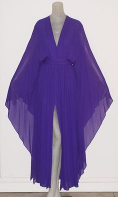 Rare Vintage: If Elizabeth Taylor Can Caftan Her Way through the 70s, Damn It! So Can We!!
