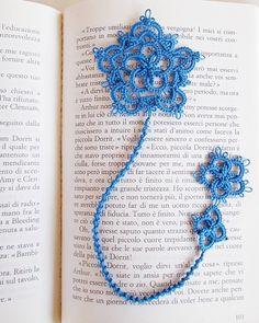 """Celtic bookmark by  lella ✿ڰۣ—    -  the motif is from """"Rose & Crown""""  free pattern  http://leblogdefrivole.blogspot.co.uk/2014/03/needle-shuttle-motif.html"""