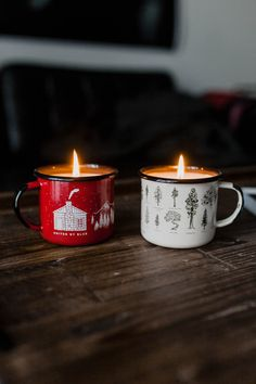 "walking-in-a-winter-wonderlandd: "" santa-kisses: "" unitedbyblue: "" United By Blue "" santa claus is coming to town…☃❄ "" Christmas all day, everyday "" by verna Homemade Candles, Diy Candles, Scented Candles, Candle Jars, Christmas Candles, Christmas Decorations, Christmas Mugs, Homemade Christmas, Best Smelling Candles"