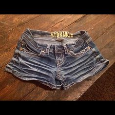 Cute jean shorts in good condition Jean shorts, good condition, nice length. Hydraulic Shorts Jean Shorts