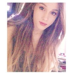 Ariana Grande, 'I Got A New Weave!' - http://oceanup.com/2014/01/09/ariana-grande-i-got-a-new-weave/