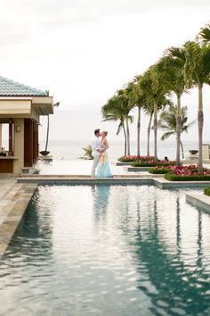 Four Seasons Wailea Maui | #Sweetheart #photosession #mauiweddingphotographer #joannatanophotography #fourseasonsmaui @Four Seasons Resort Maui #infinitypool #wailea