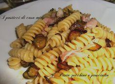 Pasta zucchine e prosciutto, ricetta a basso contenuto calorico, ma appagante per gli occhi e per il palato. Ideale in un regime alimentare ipocalorico.