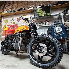 Friday Crush: Honda #CX500 #tracker by @woodgates_motorcycles. Shot by @mosamuels.