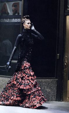 Karlie Kloss wearing tartan skirt by Caroline Herrara Fashion Art, Editorial Fashion, High Fashion, Fashion Design, Vintage Fashion, London Fashion, Tartan Fashion, Style Outfits, Vogue Us