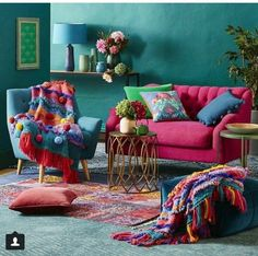 34 Charming Boho Living Room Decorating Ideas With Gypsy Style - boho decor diy Boho Chic Living Room, Gypsy Living, Living Room Decor Inspiration, Colourful Living Room, Colourful Home, Colourful Bedroom, Colourful Lounge, Colorful Couch, Colorful Rooms