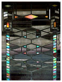 Frank Lloyd Wright - completely obsessed with his shapes Stained Glass Panels, Leaded Glass, Stained Glass Art, Mosaic Glass, Frank Lloyd Wright Buildings, Frank Lloyd Wright Homes, Stained Glass Projects, Stained Glass Patterns, Arts And Crafts Movement