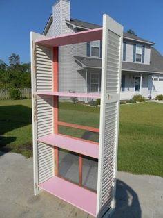 old door display | Old Screen Door Makeover great display unit | craft fair booth idea...
