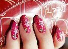 Frosty flowers Nail Art Design
