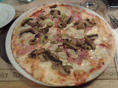 Pizza Quattro Stagioni (Tavola / Ciudad Empesarial / Santiago / Chile).