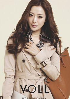 ,Name: Kim Hee-Seon/Kim Hee Sun Hangul: 김희선 Birthdate: February 25, 1977  most beautiful Korean actress