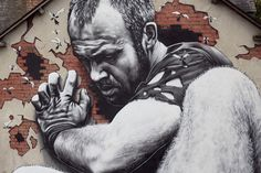 Graffiti : Close-up view of the first mural painted by the artist MTO in Rennes, France as part of the co-exhibition 'Cosmorama' with Atelier À Quatre at the gallery DMA.