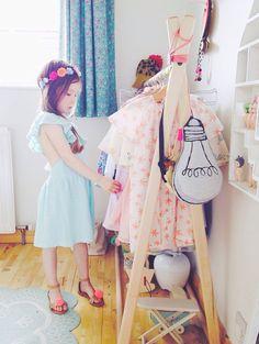 Child's tepee DIY clothing rack