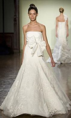 New With Tags Vera Wang Wedding Dress Bouquet, Size 4