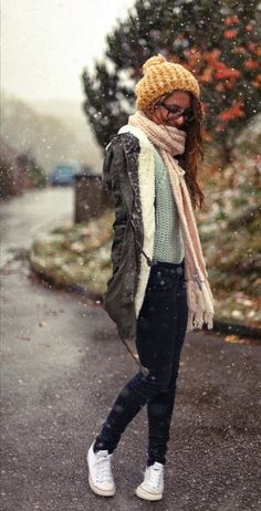 Warm cute winter outfits fashion in snow