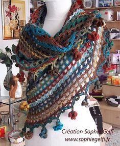 Ravelry: Sophia shawl with hyperbolic Flowers pattern by Sophie GELFI Designs