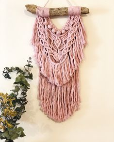 This dusty musk pink is a perfect addition in the bedroom of a little girl (or boy who also loves pink ) #littleloganstudio #macrame #macramewallhanging #macramemovement #marymakerstudiocotton #marymakerstudio #handmade #maker #bedroomdecor #bohodecor #dustypink #musk #driftwood #driedplants #redcliffsmaker