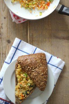 Lekkere lunch: Sandwich met roerei en groenten - Lekker en Simpel
