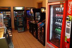 There's even a game room to keep your youngest guests occupied while the adults celebrate grown-up style.