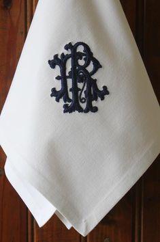 Pretty—vintage French Metis linen monogrammed dinner napkin❣ BurgundyDelights • Etsy