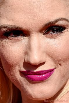 gwen stefani  celebrityclose-up.com |  Top 50 |  Search