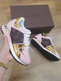 The best collection of LUIS VUITTON shoes to wear in all kinds of events. Modern designs for men, women and children. Luis Vuitton Shoes, Louis Vuitton Sneakers, Sneakers Fashion, Fashion Shoes, Cute Sneakers, Sneakers Style, Leather Sneakers, Fresh Shoes, Louis Vuitton Shoes