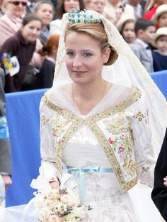 The bride, Philomena de Tornos, arrives at her church wedding with French Prince…