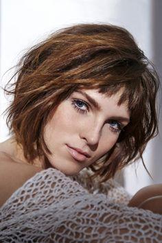 Hair bangs short long pinterest hair bangs and bangs - Carre plongeant long avec frange ...