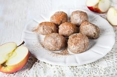 Apple meals are perfect during the autumn, when their season is high, and you can create meals full of vitamins that are healthy and quick to prepare. These whole-wheat apple du. Apple Dumplings, Whole Wheat Flour, Mets, Calories, Main Meals, Vegan Vegetarian, Cravings, Sweet Tooth, Lunch