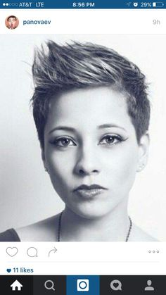 Long pixie hairstyles are a beautiful way to wear short hair. Many celebrities are now sporting this trend, as the perfect pixie look can be glamorous, elegant and sophisticated. Here we share the best hair styles and how these styles work. 2015 Hairstyles, Funky Hairstyles, New Haircuts, Beautiful Hairstyles, 2018 Haircuts, Casual Hairstyles, Pixie Haircuts, Layered Haircuts, Medium Hairstyles