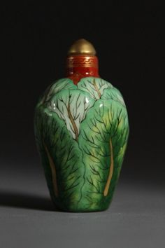 Qianlong Mark Famille-rose Porcelain Snuff Bottle with