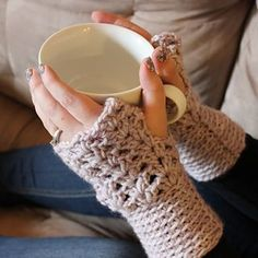 Ravelry: Lavender Fingerless Gloves pattern by Jessy Spencer