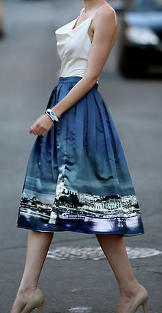 skyline of london skirt  http://rstyle.me/n/mp3krpdpe